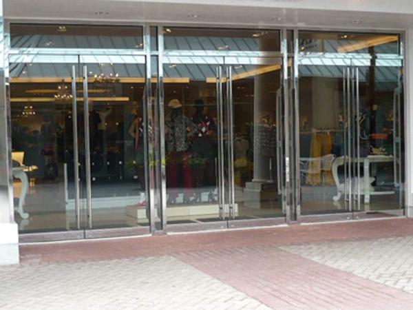 Cửa lùa kính cường lực Quận Bình Tân