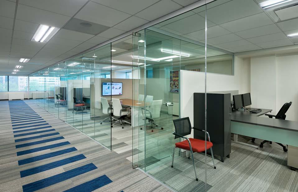 Vách kính ngăn văn phòng Quận 5