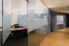 vách kính phòng họp